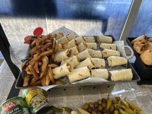 שולחן שוק-טורטיות ממולאות שווארמה-צורסק'ו